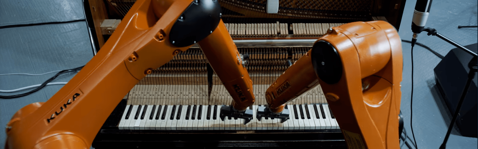 Estos robots son integrantes de una banda musical- Nation